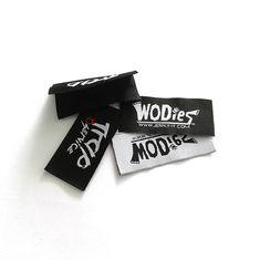 Fold Custom Woven Apparel Labels Hem Tag Satin For Neck With Ultrasonic Cut Finishing